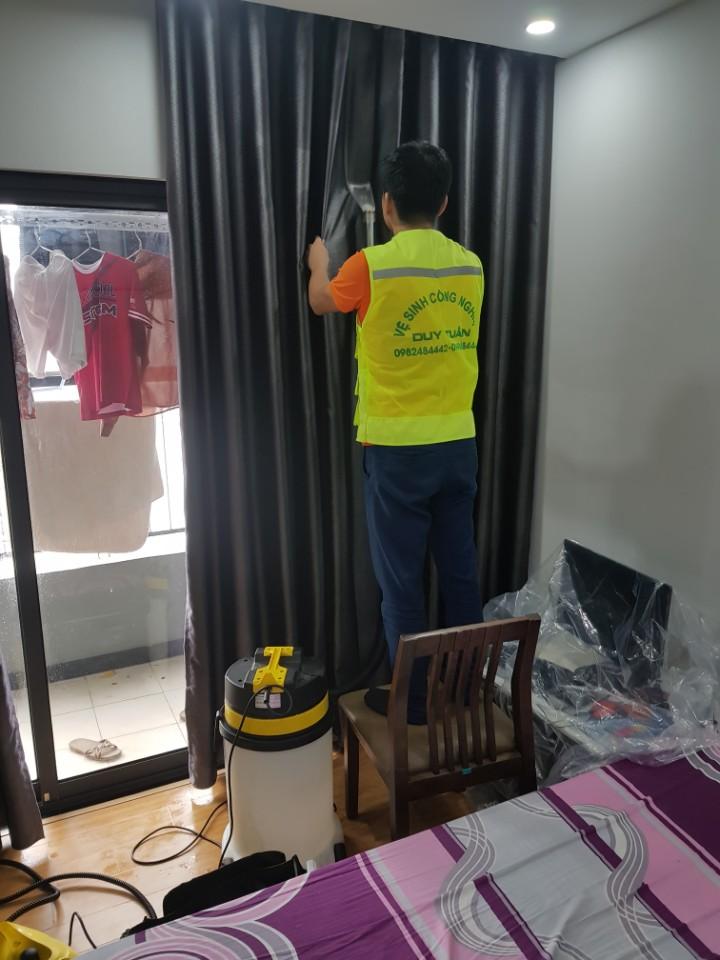 Dịch vụ giặt rèm cửa tại nhà Royal Clean