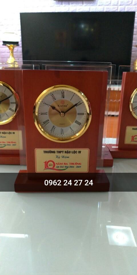 Công ty nhận sản xuất đồng hồ kỷ niệm ngày sinh nhật công ty