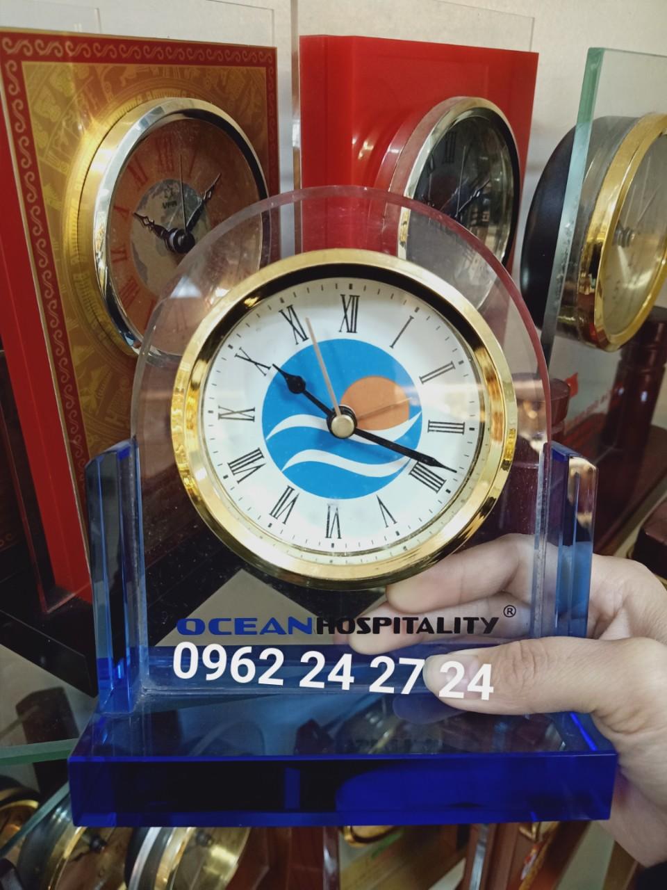 Cơ sở chuyên cung cấp đồng hồ kỷ niệm sinh nhật công ty, bán đồng hồ làm quà tặng nhân viên tiêu biểu của năm