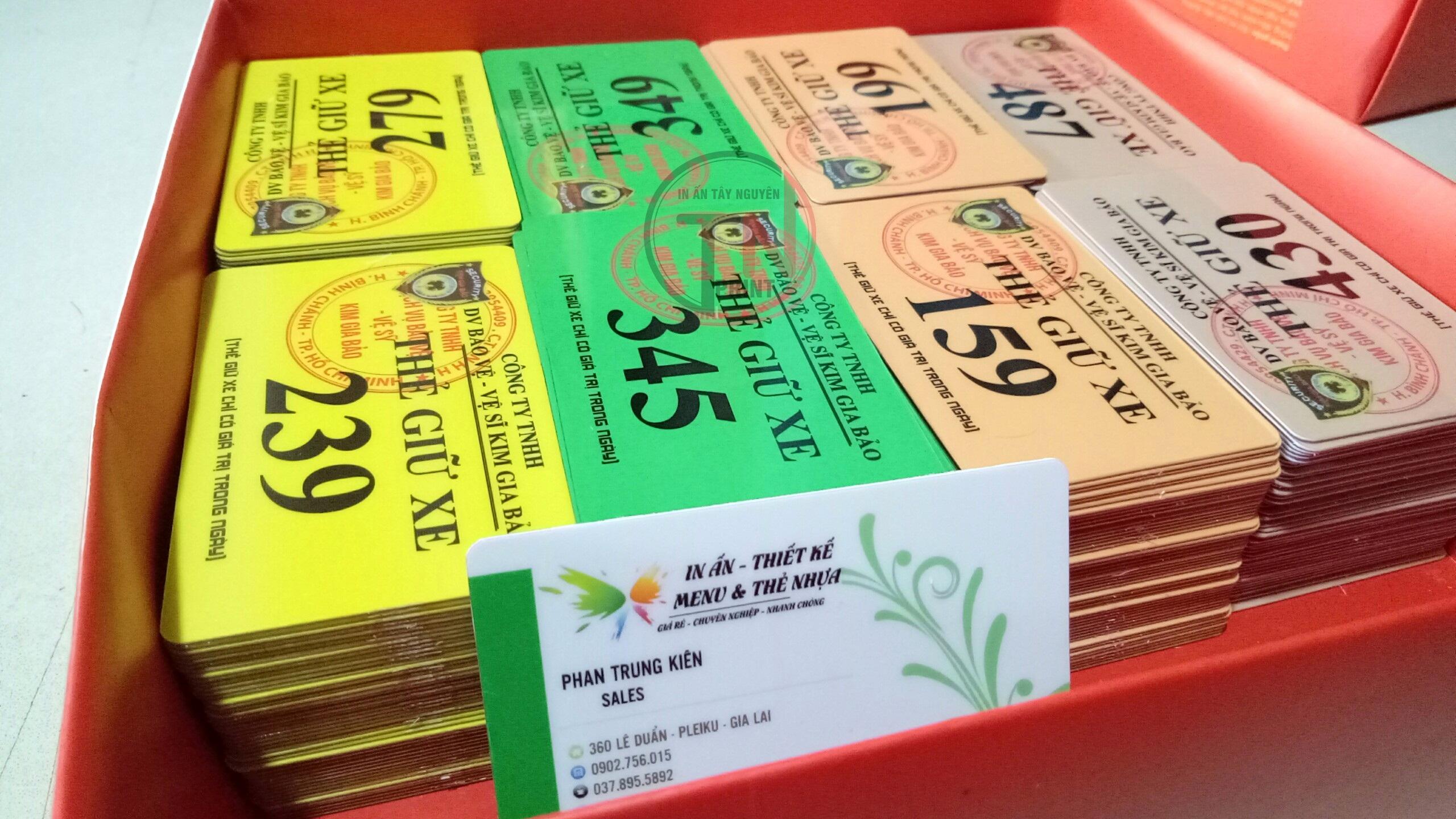 In thẻ giữ xe, thẻ bảo vệ trên chất liệu nhựa giá tốt
