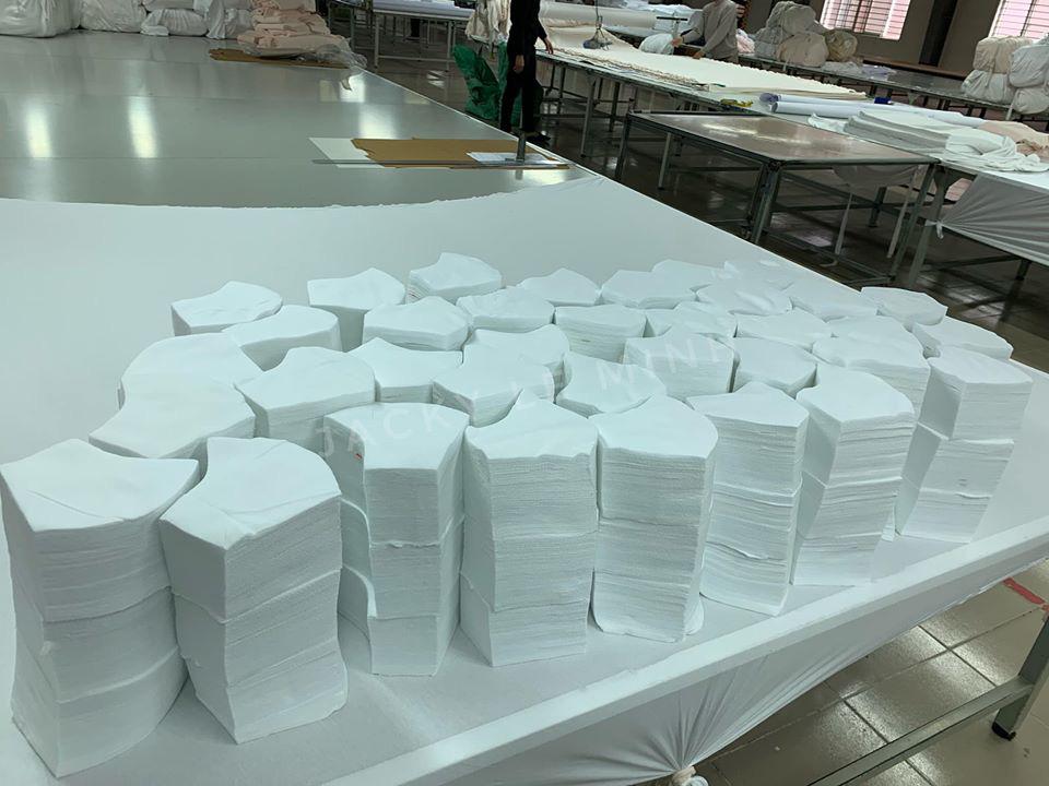 Xưởng may khẩu trang vải 3 lớp in thêu logo theo yêu cầu