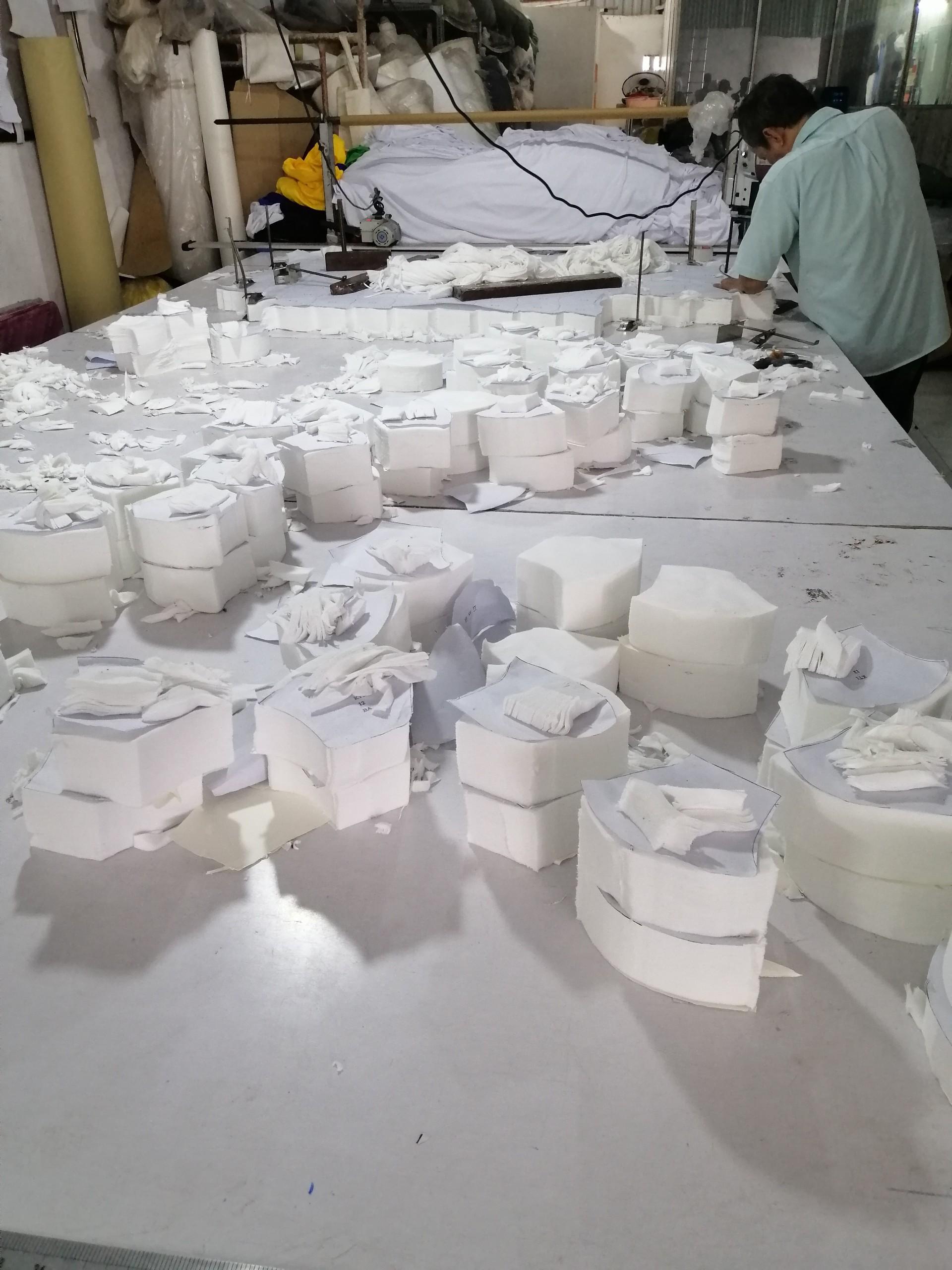 Sản xuất khẩu trang vải kháng khuẩn hai lớp giặt 30 lần