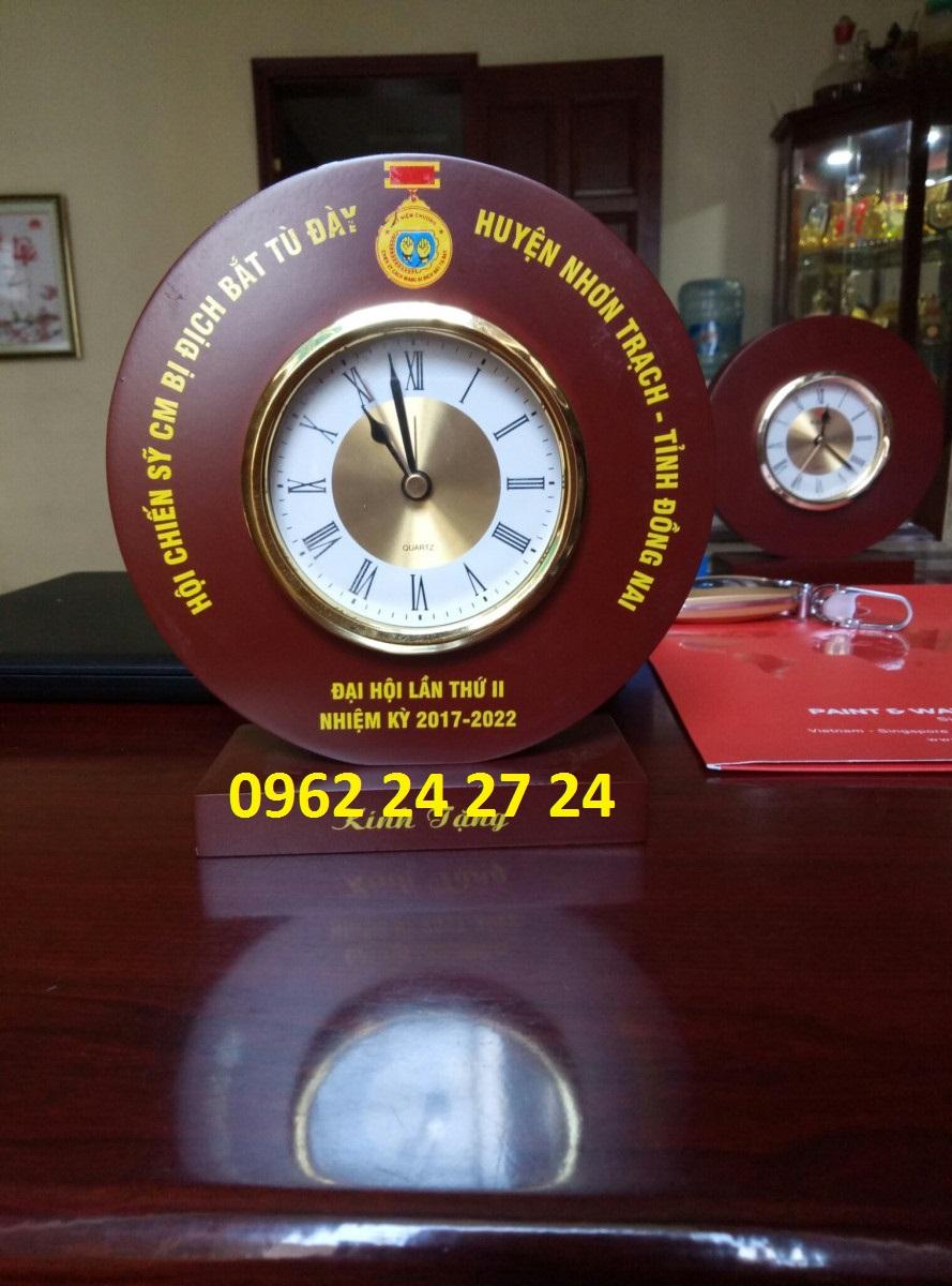 Nơi làm đồng hồ để bàn làm quà tặng đại hội, đồng hồ kỷ niệm ngày thành lập quân đội