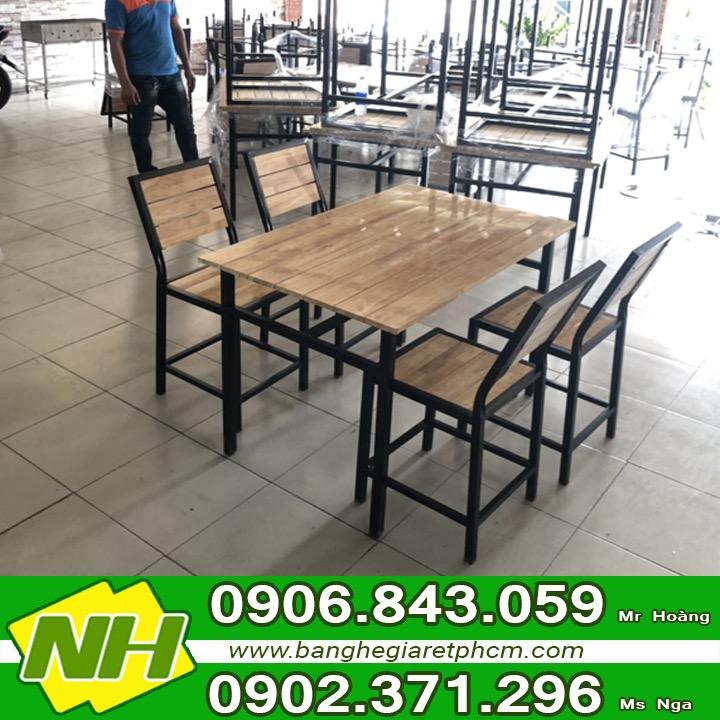 Xưởng sản xuất bàn ghế quán ăn - Nội thất Nguyễn Hoàng