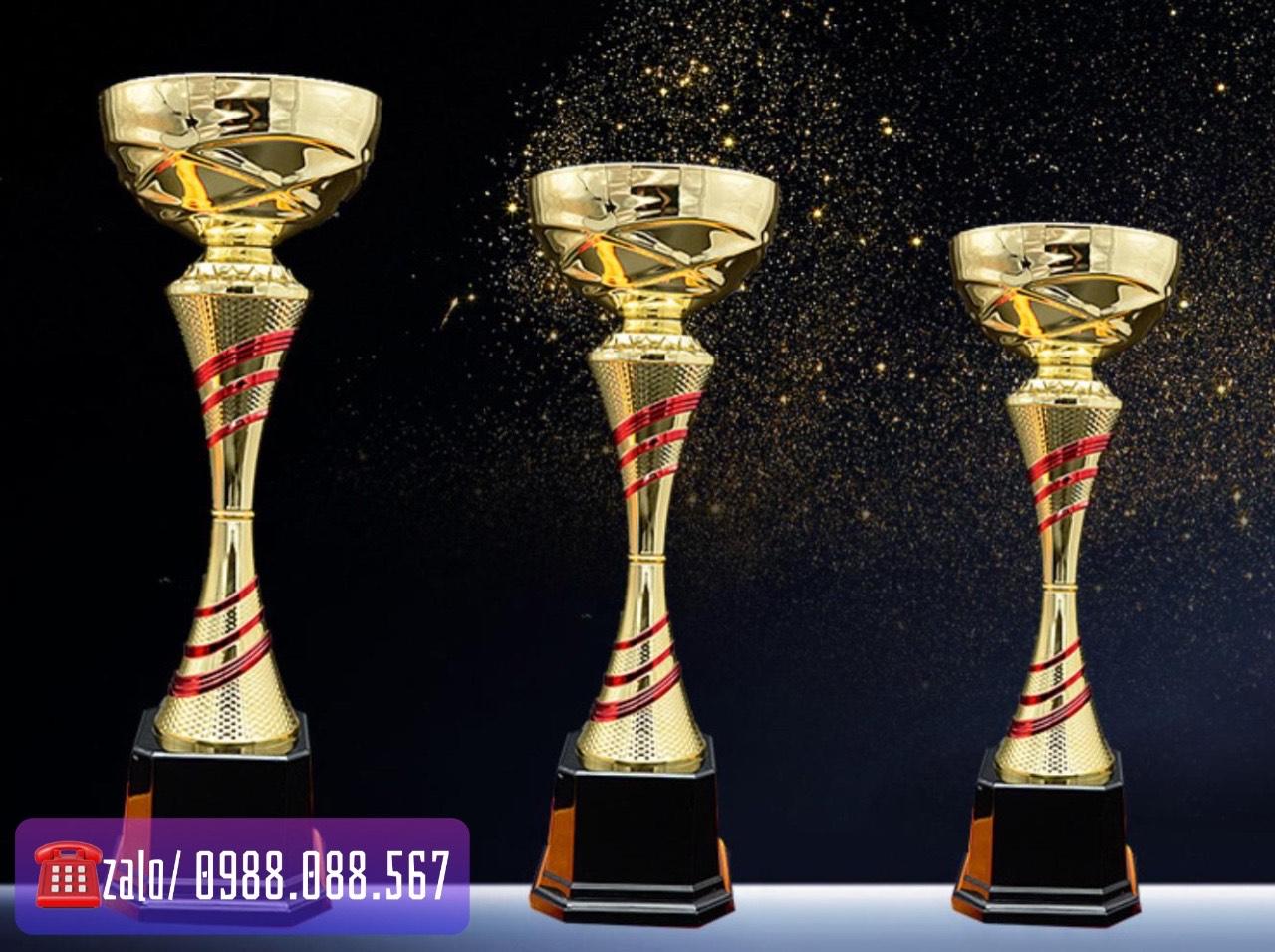 Sản xuất cúp bóng đá, vô địch kim loại