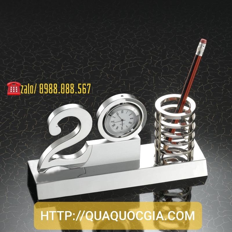 Sản xuất bộ số để bàn, số kỷ niệm pha lê kim loại