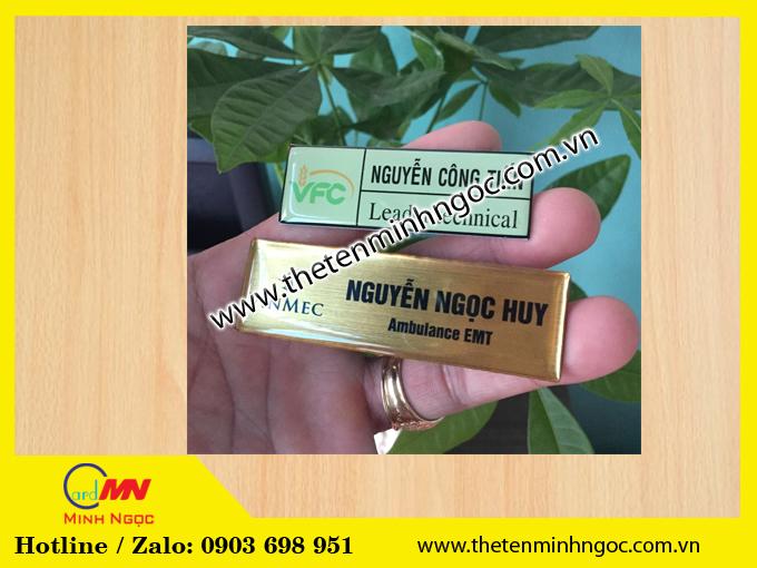 Khắc thẻ mica, thẻ tên, in thẻ nhân viên giá rẻ, sản xuất kệ mica