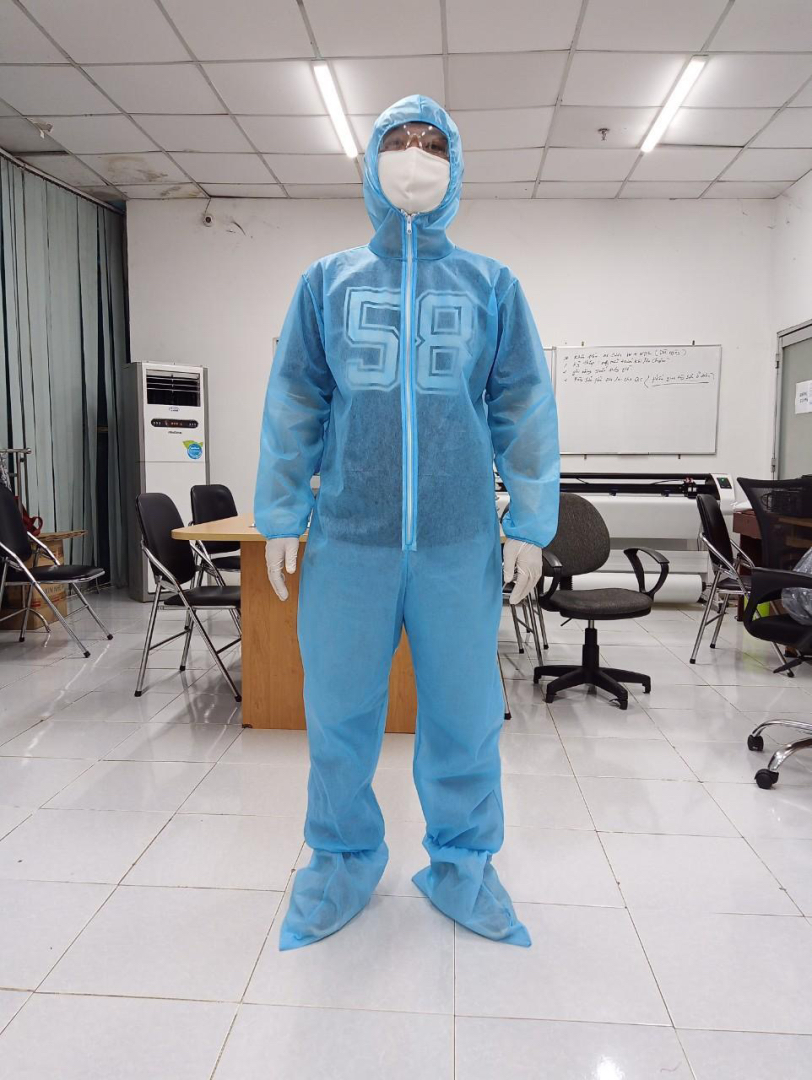 Xưởng sản xuất  Quần áo bảo hộ chống dịch, bao trùm chân phòng sạch
