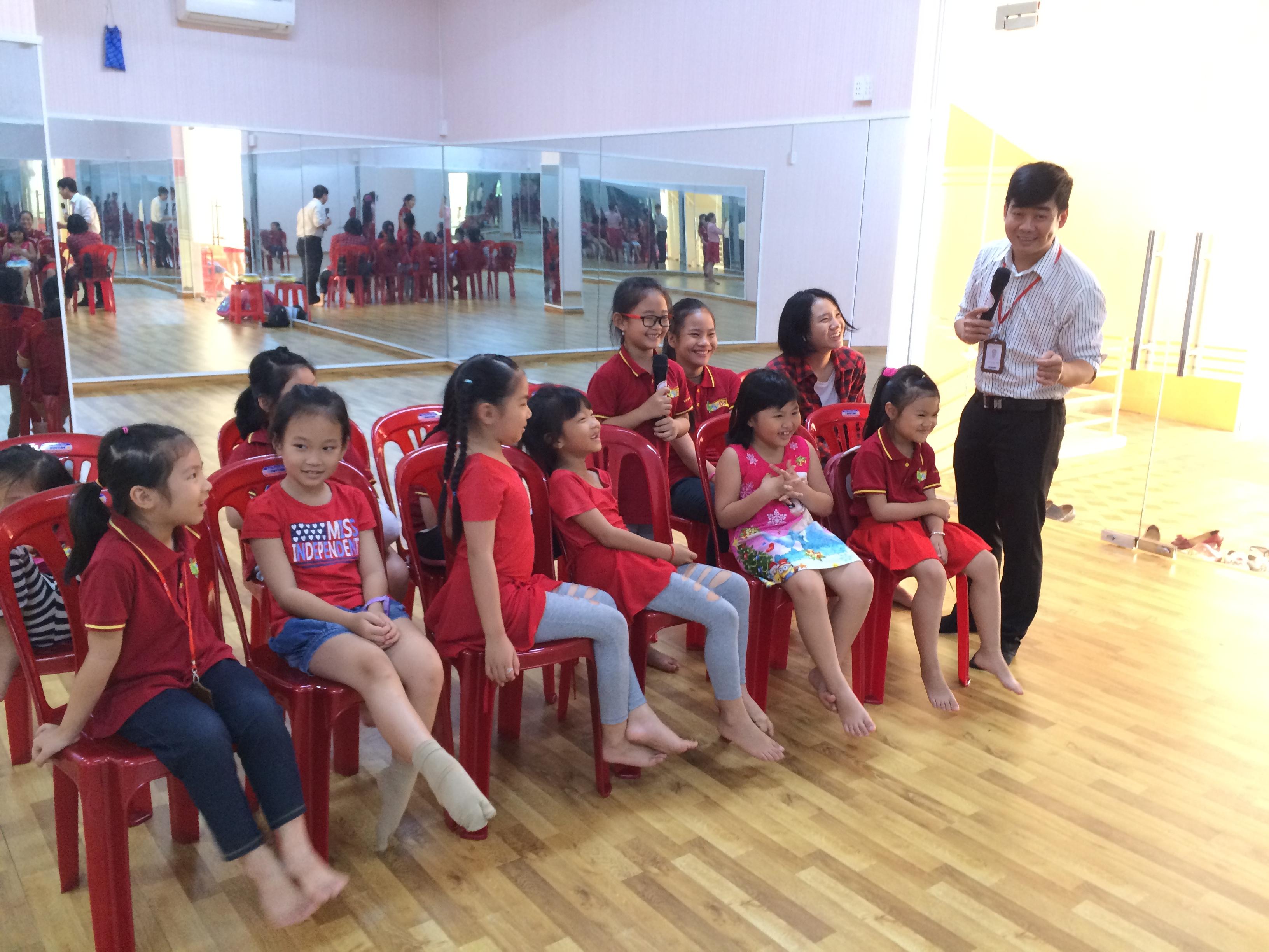 Tuyển sinh lớp MC Nhí cho bé từ 5 tuổi