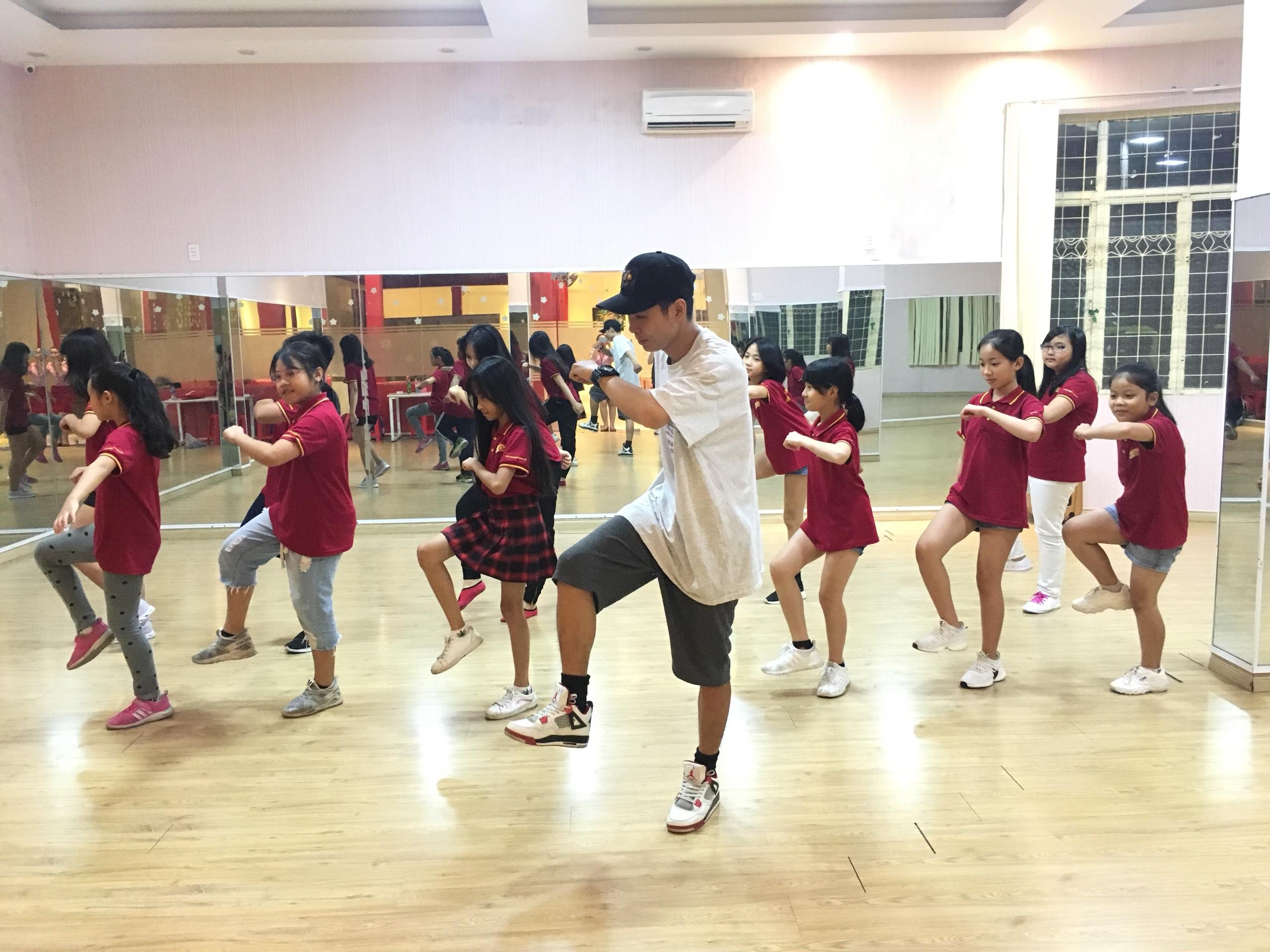 Chiêu sinh Lớp SHUFFLE DANCE cho bé từ 10 tuổi