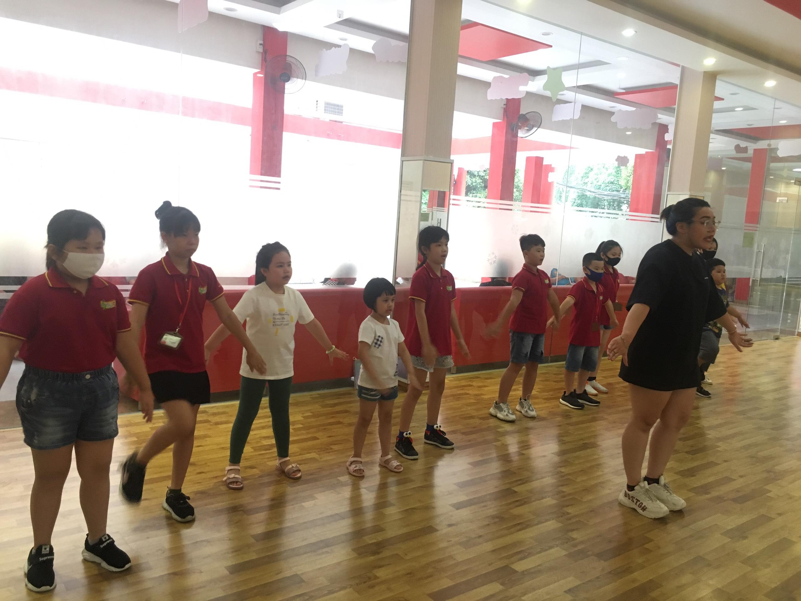 Chiêu sinh lớp nhảy hiện đại - Cover Kpop thiếu nhi