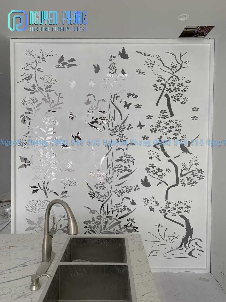 Thiết kế, gia công khung cửa sổ sắt uốn mỹ thuật cổ phù hợp với kiến trúc hiện đại lẫn cổ điển