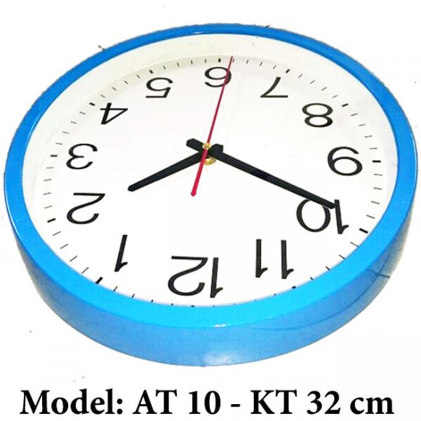 Đồng hồ in logo công ty - quà tặng tri ân khách hàng
