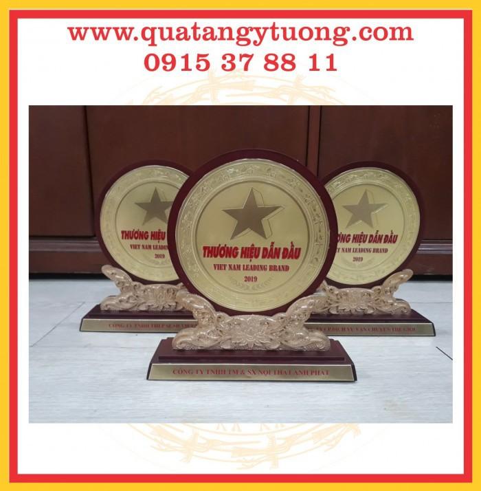 Cty chuyên sản xuất biểu trưng gỗ đồng, biểu trưng vinh danh kim loại