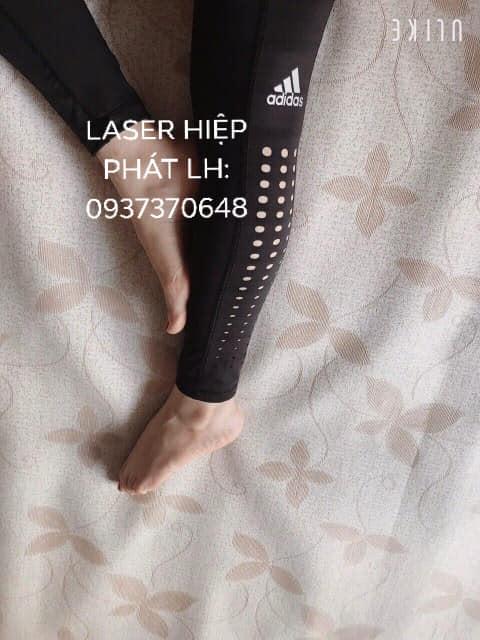 Cắt hoa văn laser trên quần áo