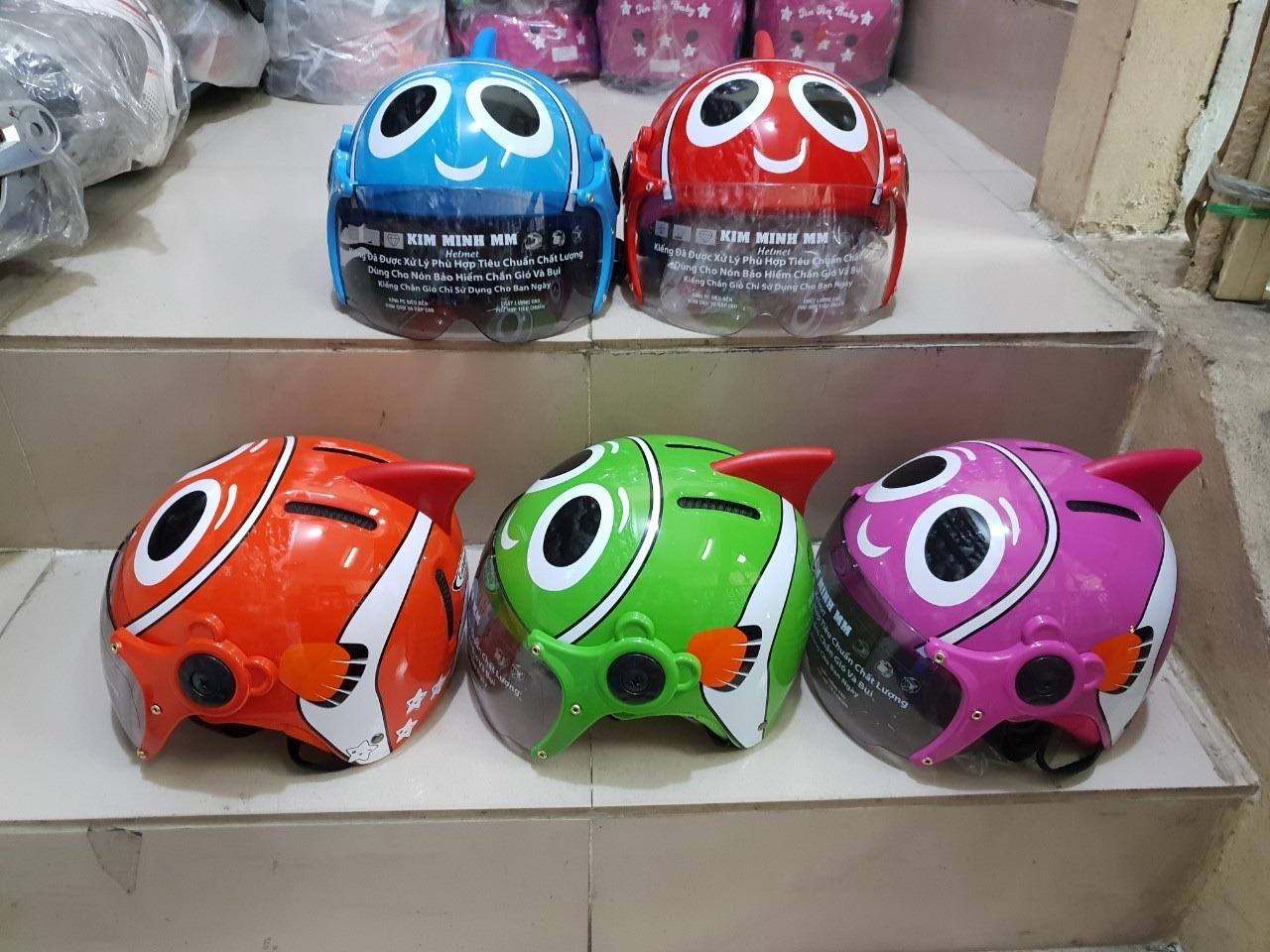 Xưởng sản xuất mũ bảo hiểm trẻ em