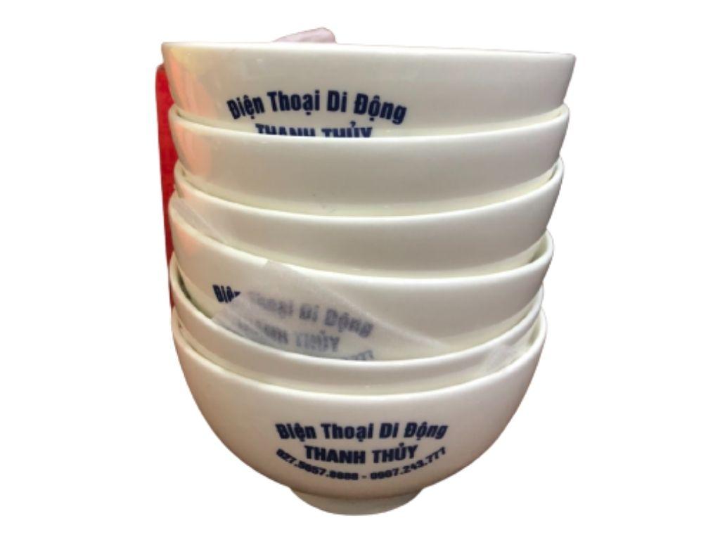 Nhận in bộ chén sứ trắng làm quà tặng Tết cho khách hàng cuối năm