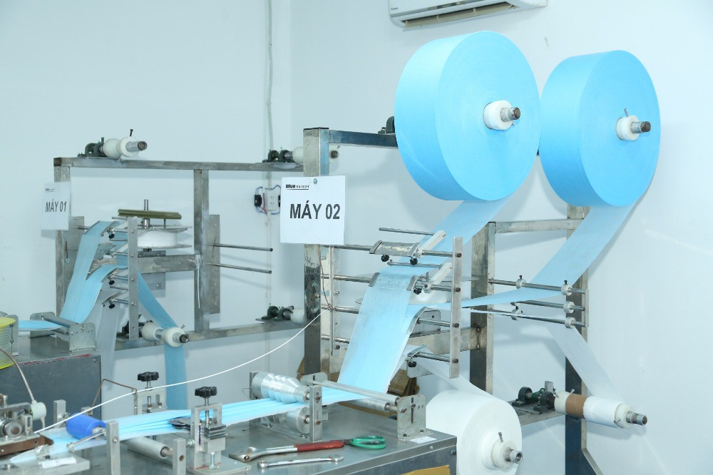 Xưởng sản xuất khẩu trang y tế TPHCM - Nhận đơn hàng may gia công khẩu trang 4 lớp kháng khuẩn Suong House