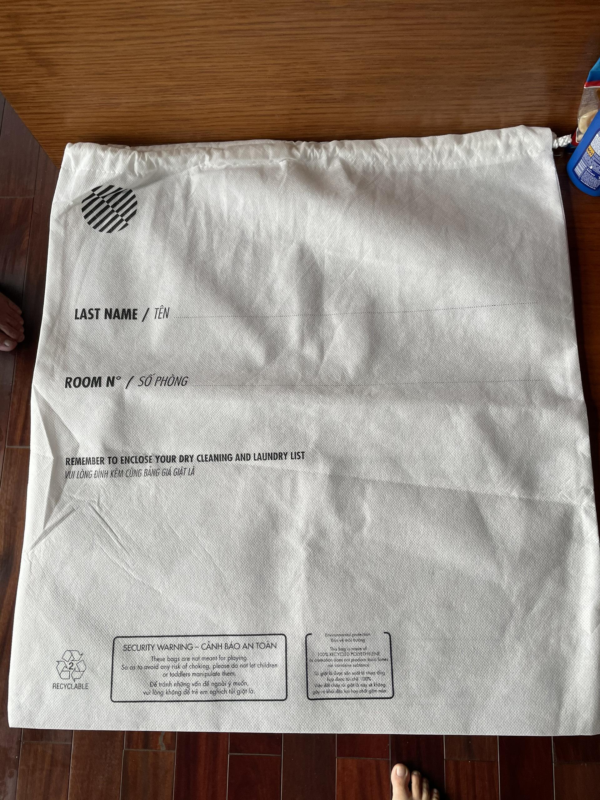Xưởng may túi đựng đồ giặt khách sạn dây rút in logo