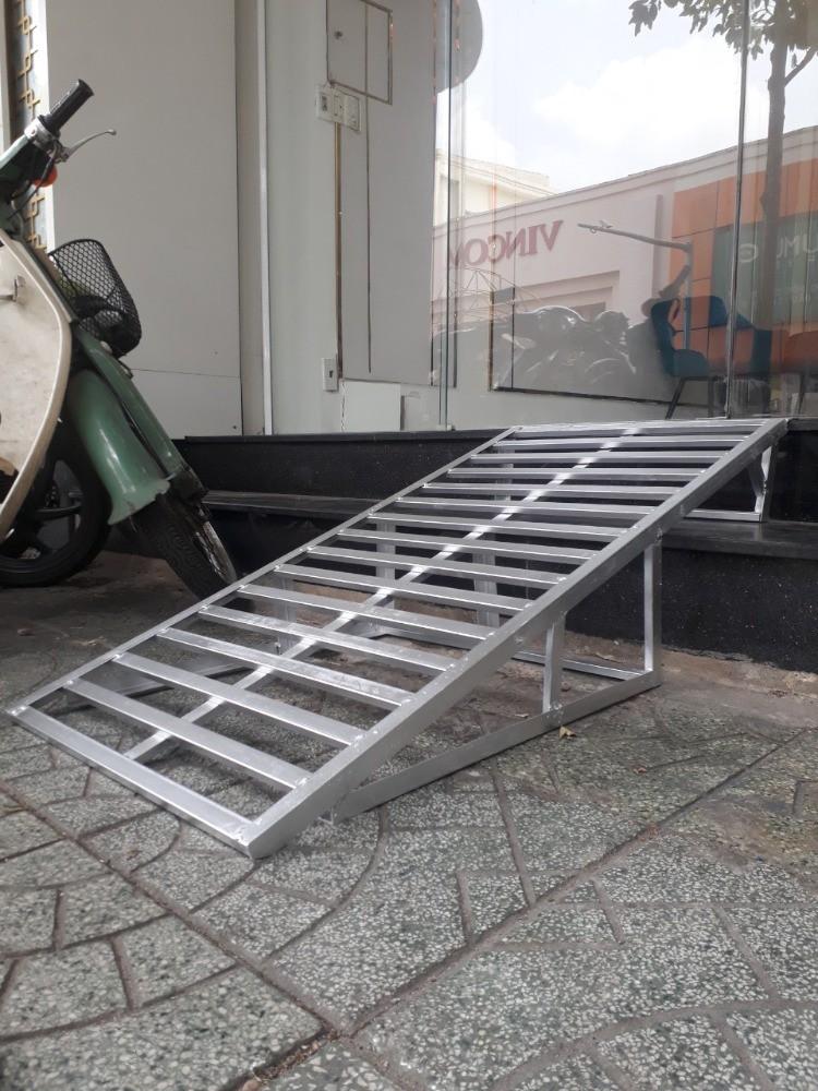 Thợ Hàn Cầu Thang Dắt Xe Máy Tại Nhà TpHCM 0947406037