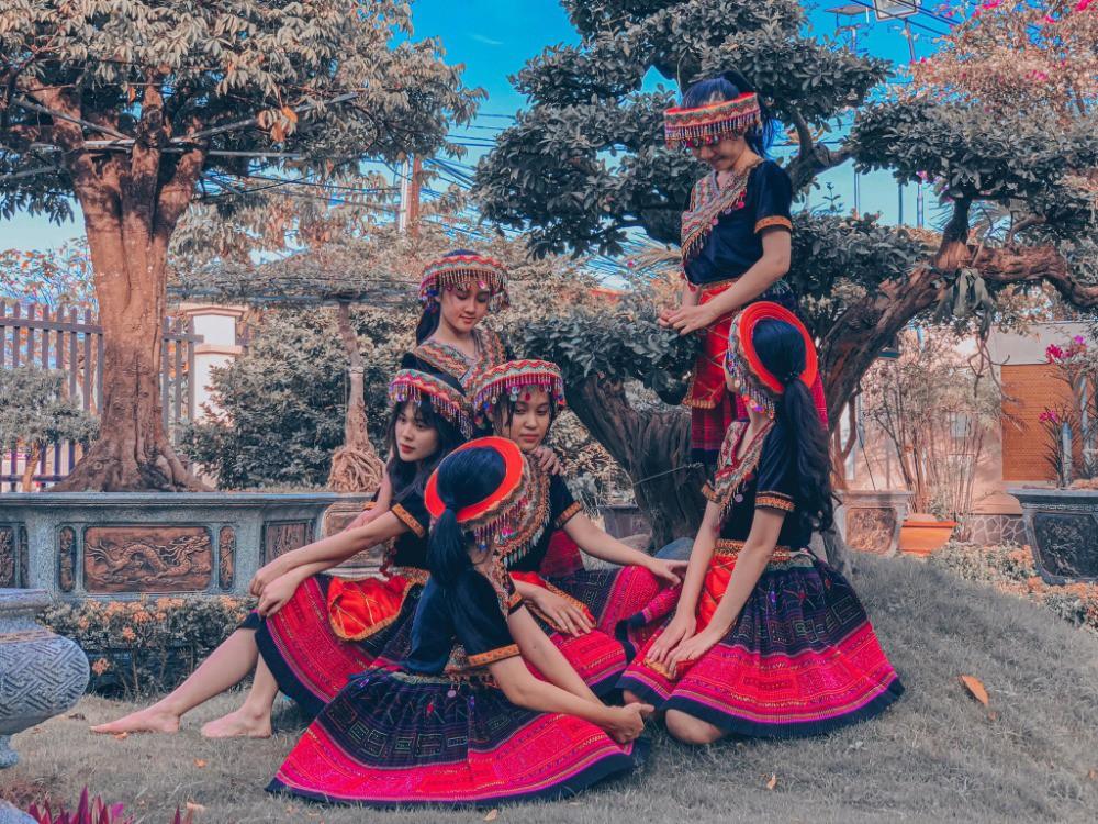 Thuê trang phục dân tộc giá rẻ tại Bình Thạnh