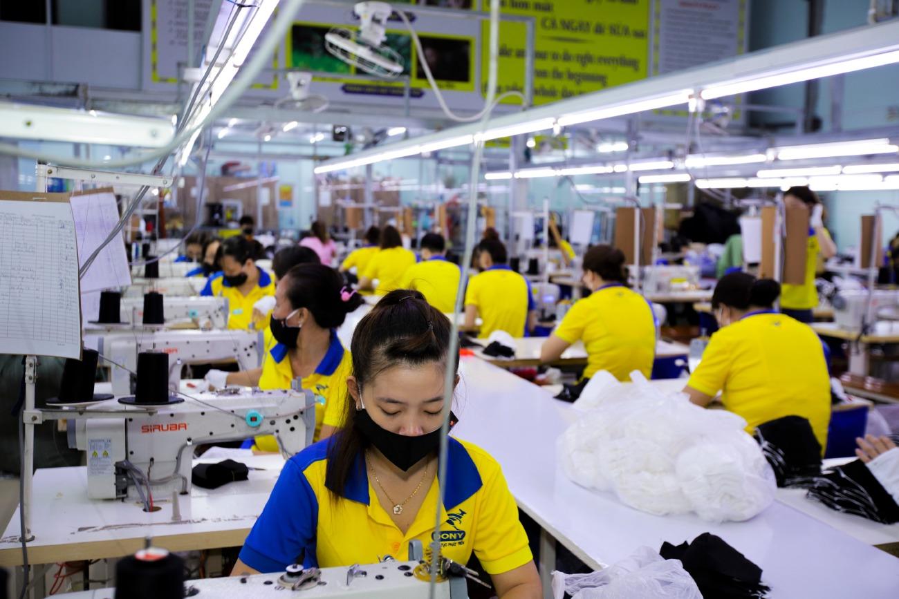 Sản xuất khẩu trang tại TPHCM