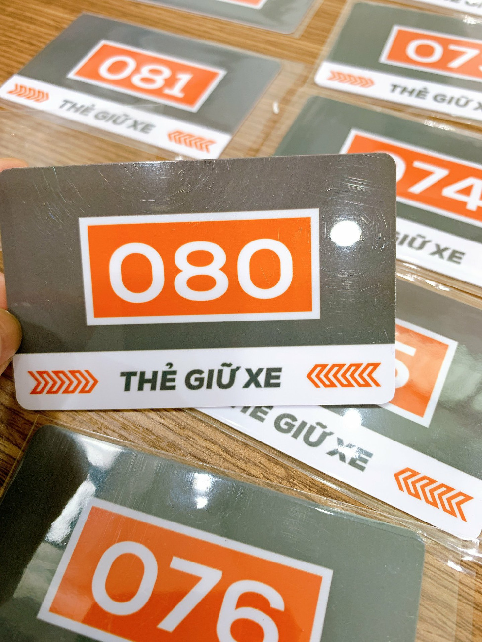 In vé gửi xe bằng thẻ nhựa PVC, in vé gửi xe bằng thẻ nhựa, in thẻ nhựa giá rẻ